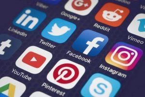 رسانه های مجازی محتوای مخاطبین را دستکاری یا حذف میکنند!